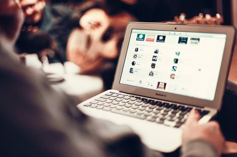 Spar flere tusinde kroner på brugt laptop med fuld garanti